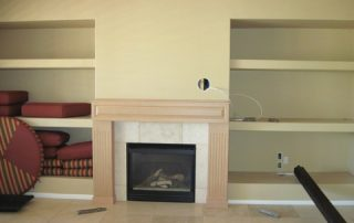 Travertine fireplace with deco and granite top - Versaille-pattern