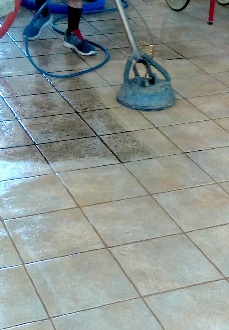 Carefree Floors Services - Cleaning tile